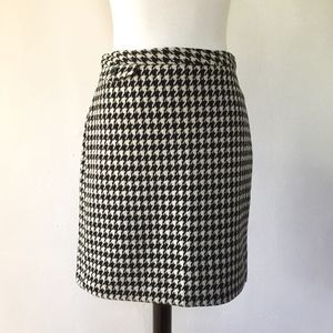 [J. Crew] houndstooth cashmere/wool skirt